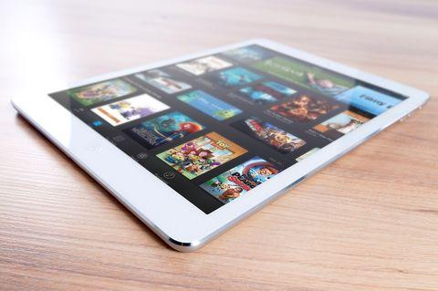 Apple iPad Pro(6th Gen) Tablet (9.7 inch, 128GB, Wi-Fi), best gadgets for students in india